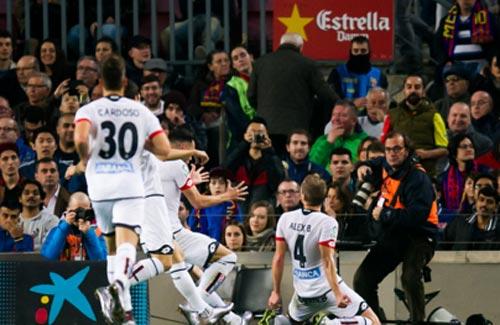 Muốn hạ Barca, Arsenal phải học Deportivo - 2