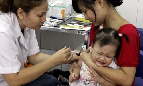 Chỉ có 5% cha mẹ tin tưởng vaccine miễn phí - 1