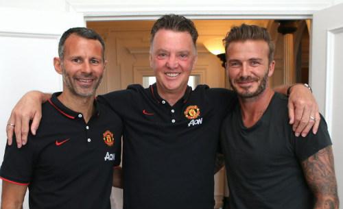 Beckham ủng hộ Van Gaal, Mourinho mua nhà ở Manchester - 1