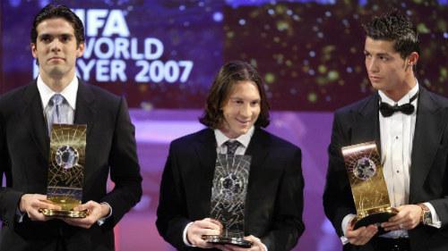 Tin HOT tối 23/2: Kaka tin Messi và CR7 sẽ đến Mỹ - 1
