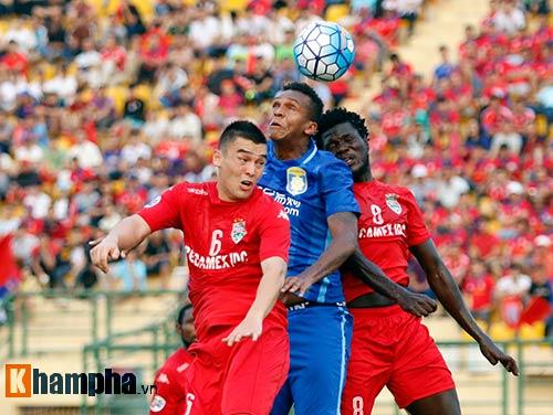 Sao ngàn tỷ CLB Trung Quốc bất lực trước 10 cầu thủ B.BD - 4