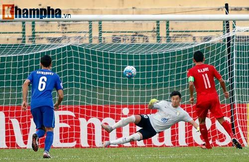 Sao ngàn tỷ CLB Trung Quốc bất lực trước 10 cầu thủ B.BD - 5