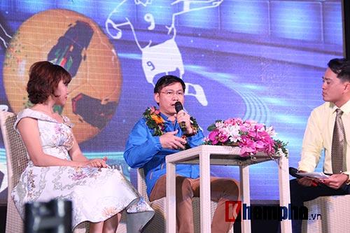 """Ông bầu futsal Việt Nam thành """"soái ca"""" với fan nữ - 5"""