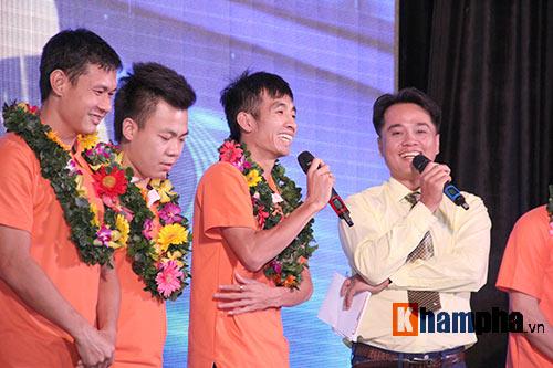 """Ông bầu futsal Việt Nam thành """"soái ca"""" với fan nữ - 7"""