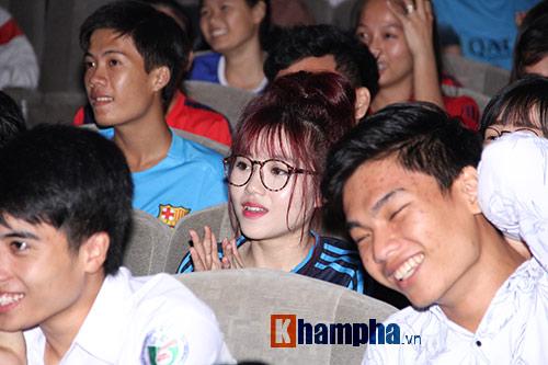 """Ông bầu futsal Việt Nam thành """"soái ca"""" với fan nữ - 8"""