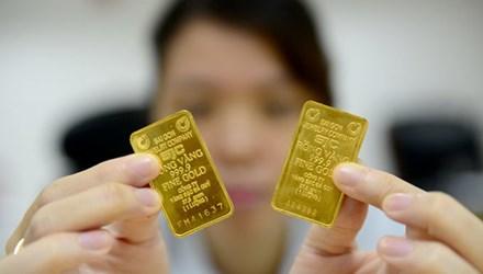 Vàng và USD tiếp tục xu hướng tăng - 1