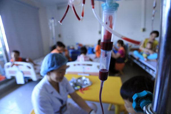 Sau Tết Bính Thân 2016, bệnh viện thiếu máu trầm trọng - 1