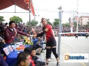 """Thể thao - """"Hotgirl"""" bóng chuyền Việt Nam gây sốt ở giải hội làng"""