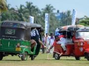 Các môn thể thao khác - Kỳ lạ môn thể thao chơi polo bằng xe tuk-tuk