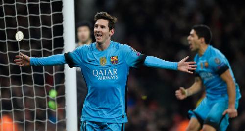 Ảnh chế Arsenal thua Barca: Messi hạ knock-out Cech - 10