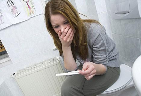 Dính bầu ngày Tết, hậu Valentine: Số người phá thai tăng đột biến - 1