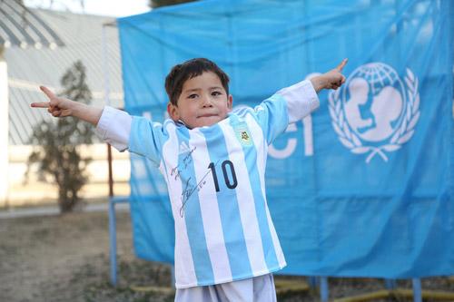 2 năm liền ăn ba, Messi sẽ vượt Guardiola và Cruyff - 3