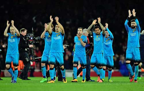 Tin HOT tối 25/2: Barca sắp cân bằng kỉ lục bất bại của Real - 1