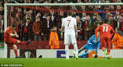 Liverpool - Augsburg: Thần May mắn đồng hành - 1