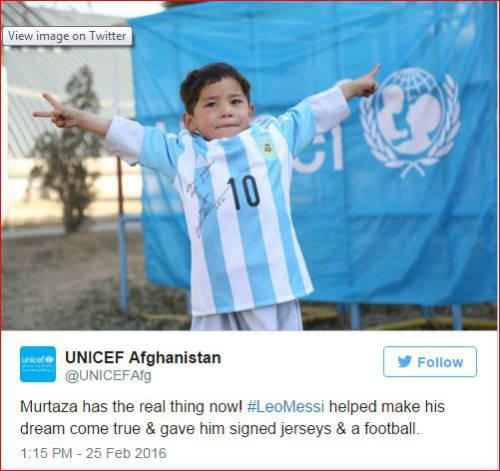 Sao 360 độ 26/2: Messi hiện thực hóa giấc mơ của fan nhí - 1