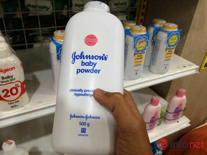 """Nghi vấn phấn rôm Johnson có chất gây ung thư: Johnson VN """"khất"""" câu trả lời - 1"""