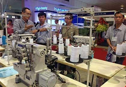 Hàng hóa Trung Quốc gắn mác ngoại lừa người mua - 1