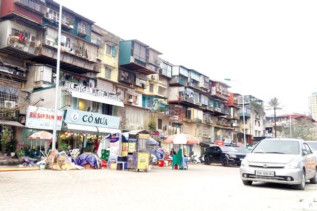 Hà Nội: Dân không chịu di dời dù nhà chờ sập - 1