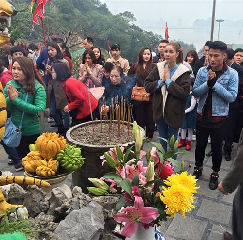 Facebook sao 26/2: Trường Giang quyết bảo vệ Nhã Phương - 6