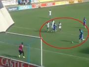 """Bóng đá - Đá penalty kiểu """"Messi – Suarez"""" phiên bản lỗi"""