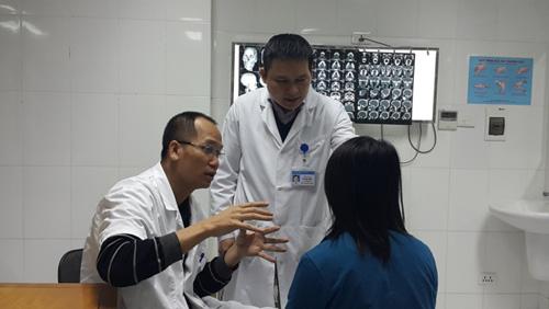 Gặp bác sĩ từng nối mảng da đầu bị đứt lìa cho bệnh nhân - 1