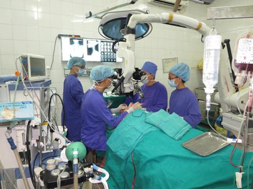 Gặp bác sĩ từng nối mảng da đầu bị đứt lìa cho bệnh nhân - 2