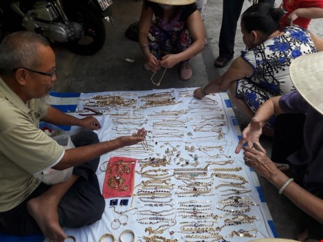 Chợ nước ngoài ở Sài Gòn: Chợ Campuchia thứ gì cũng có - 6