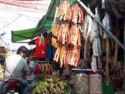 Tin tức trong ngày - Chợ nước ngoài ở Sài Gòn: Chợ Campuchia thứ gì cũng có