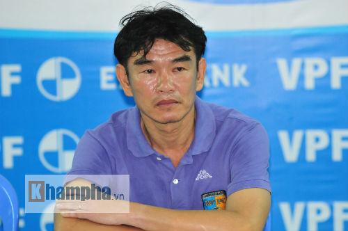 Xa bầu Hiển, HLV Phan Thanh Hùng bất ngờ về Quảng Ninh - 1