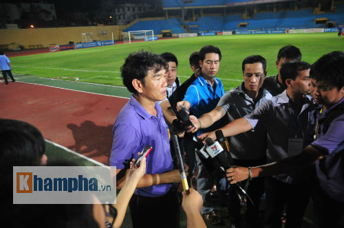 Xa bầu Hiển, HLV Phan Thanh Hùng bất ngờ về Quảng Ninh - 2