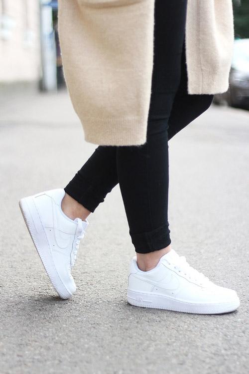 Nếu trót mê những đôi giày trắng, đừng quên 4 điều này! - 2