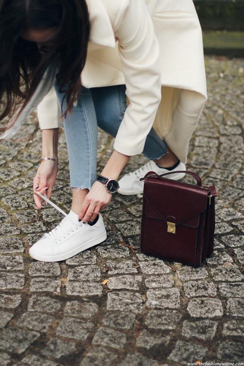 Nếu trót mê những đôi giày trắng, đừng quên 4 điều này! - 3