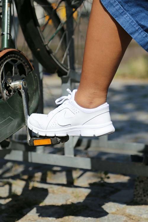 Nếu trót mê những đôi giày trắng, đừng quên 4 điều này! - 6