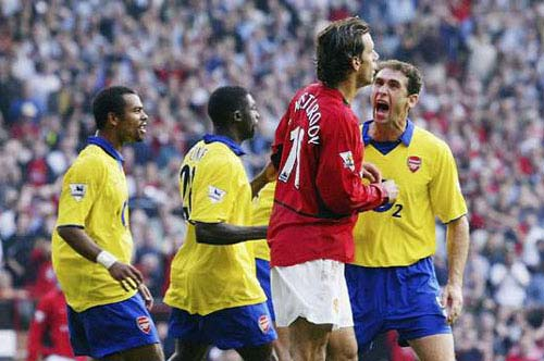 """Top 10 cuộc đọ sức """"không khoan nhượng"""" giữa M.U với Arsenal - 3"""