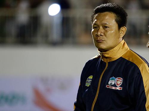 HLV Nguyễn Quốc Tuấn: Trọng tài ép HAGL phải thua! - 1