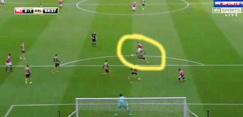 """Góc chiến thuật MU - Arsenal: """"Thảm họa"""" phòng ngự - 13"""