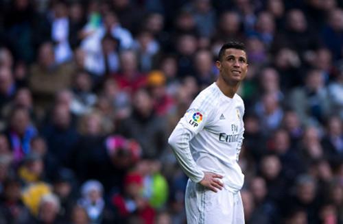 Ronaldo: Ở lại Real Madrid là sống mòn - 1