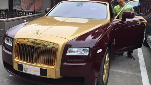 Chủ nhân Rolls-Royce Ghost mạ vàng ở Việt Nam là ai? - 1