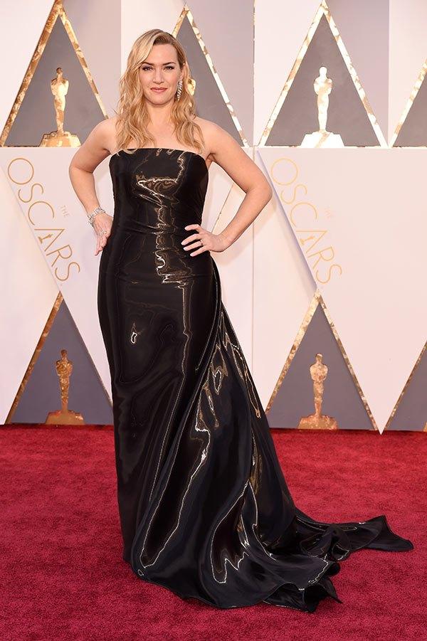 Váy hở vai, cổ V gợi cảm phủ kín thảm đỏ Oscar - 12