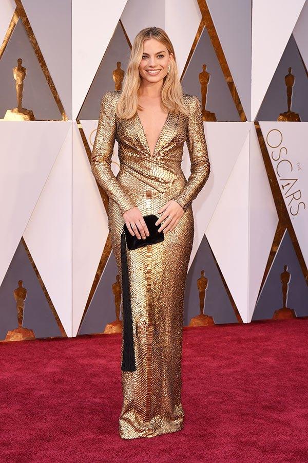 Váy hở vai, cổ V gợi cảm phủ kín thảm đỏ Oscar - 15