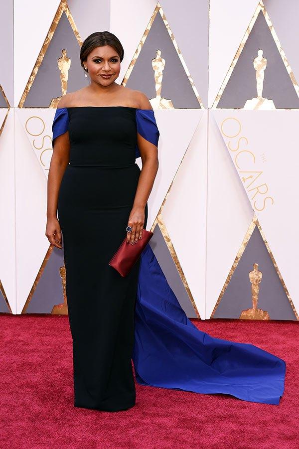 Váy hở vai, cổ V gợi cảm phủ kín thảm đỏ Oscar - 16