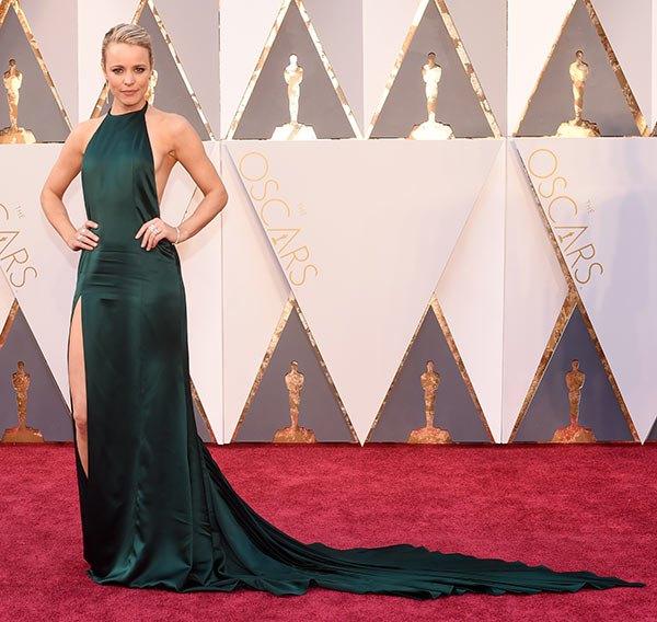 Váy hở vai, cổ V gợi cảm phủ kín thảm đỏ Oscar - 20