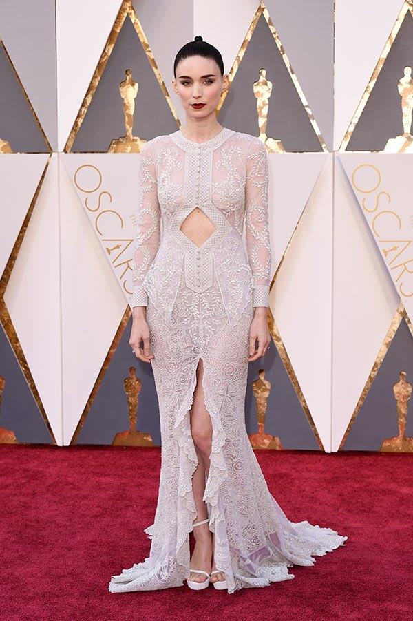 Váy hở vai, cổ V gợi cảm phủ kín thảm đỏ Oscar - 22