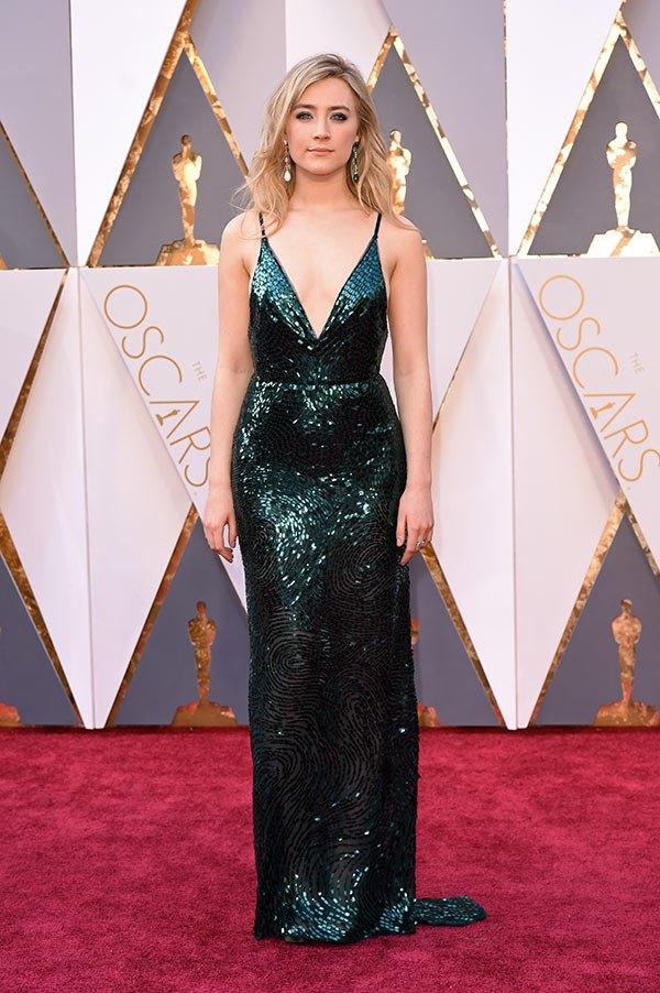 Váy hở vai, cổ V gợi cảm phủ kín thảm đỏ Oscar - 2