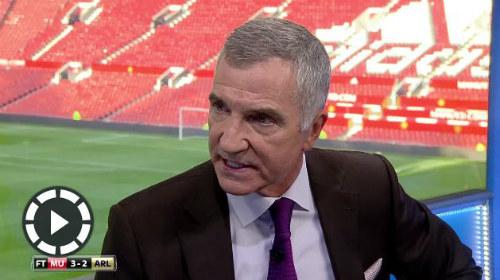"""Chuyên gia gọi màn trình diễn của Arsenal là """"trò hề"""" - 2"""