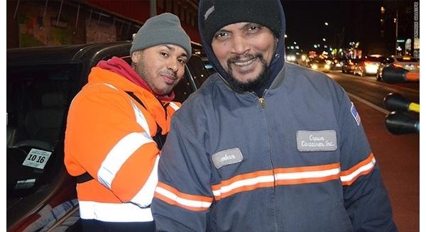 Công nhân thu gom rác ở Mỹ nhận lương 6 con số - 1