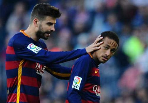 Tin HOT tối 29/2: Phó chủ tịch Barca chỉ trích CR7 - 2