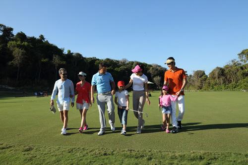Chơi golf đầu xuân được đêm nghỉ miễn phí tại Hồ Tràm Strip - 2