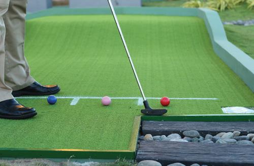 Chơi golf đầu xuân được đêm nghỉ miễn phí tại Hồ Tràm Strip - 4