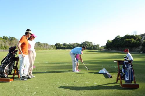 Chơi golf đầu xuân được đêm nghỉ miễn phí tại Hồ Tràm Strip - 3